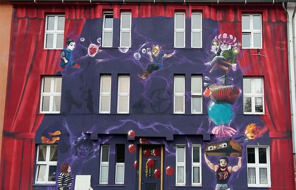 Düsseldorf-Kiefernstrasse-Huis-met-gordijn-foto-Wilma-Lankhorst.