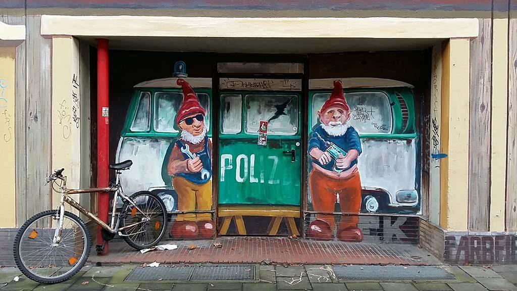 Dusseldorf-Kiefernstrasse-Polizei-foto-Wilma-Lankhorst