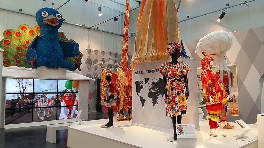 Carnaval Wereldwijd zaaloverzicht-foto-Wilma-Lankhorst.