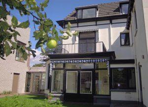 Mondriaan-Winterswijk-Villa-Mondriaan-tuin-vanuit-het-zolderraam-keek-Mondriaan-naar-de-kerktoren-foto-Wilma-Lankhorst