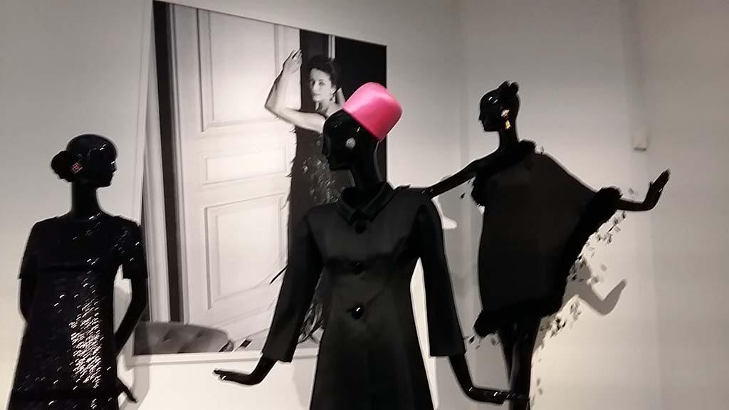 To Audrey with love Gemeentemuseum-Den-Haag-zaalovrzicht-foto-Wilma-Lankhorst