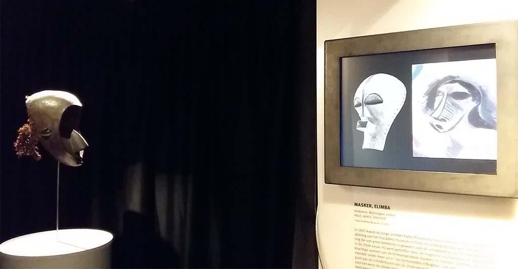 Afrika-Masker-Elimba-en-uitleg-Picasso-in-Afrika-Museum-foto-Wilma-Lankhorst