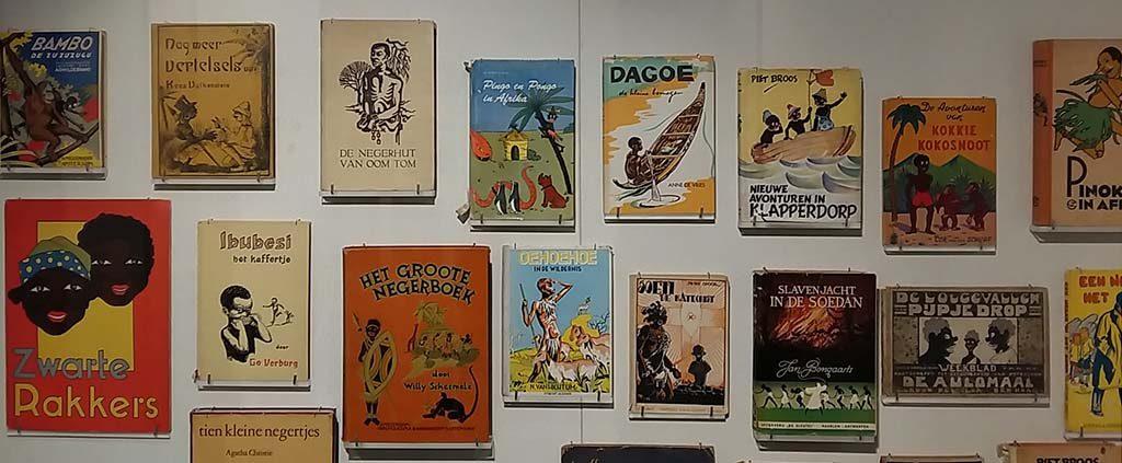 Afrika virtine-met-kinderboeken-cliches-collectie-Afrika-Museum-foto-Wilma-Lankhorst.
