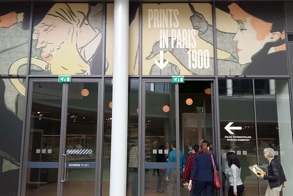 Prints-in-Parijs-entree-expositie-Van-Gogh-Museum-foto-Wilma-Lankhorst