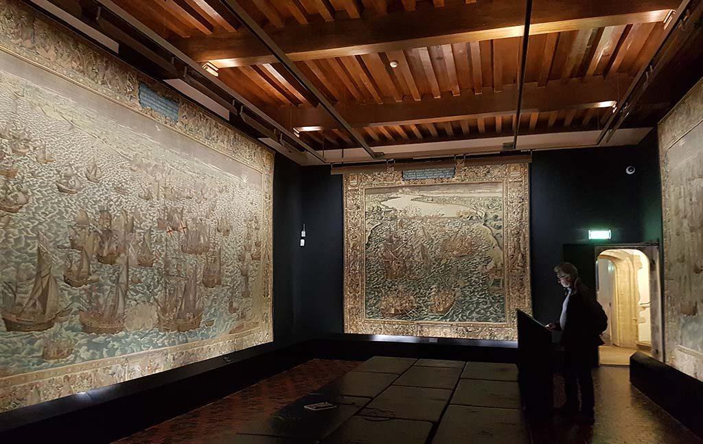 Zeeuws-Museum-2017-zaal-met-de-wandkleden-foto-Wilma-Lankhorst