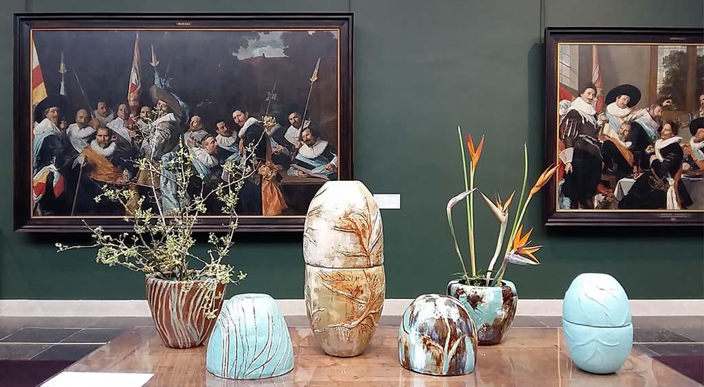 Museum in Bloei vazen-©Irina-Zakharova-Moskou-1995-Frans-Hals-Museum-foto-wilma-Lankhorst.