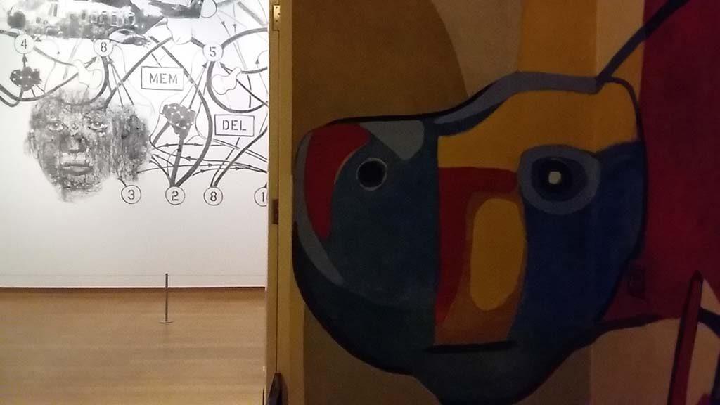 Nalini Malani muurschilderingen-Malani-en-Appel-Stedelijk-Amsterdam-foto-Wilma-Lankhorst