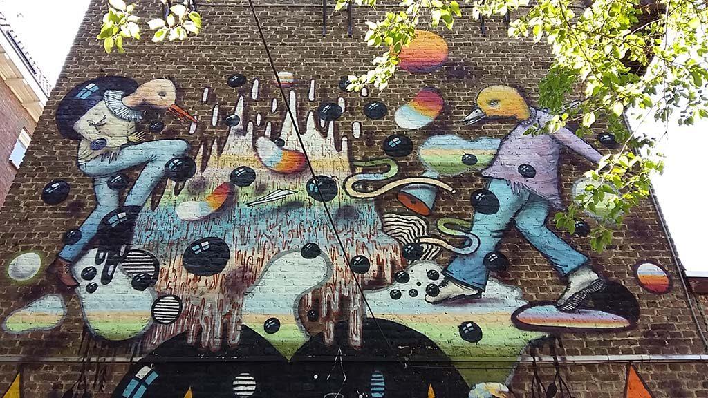 Heerlen Murals Collin-van-der-Sluijs-swinging-birds-foto-Wilma-Lankhorst