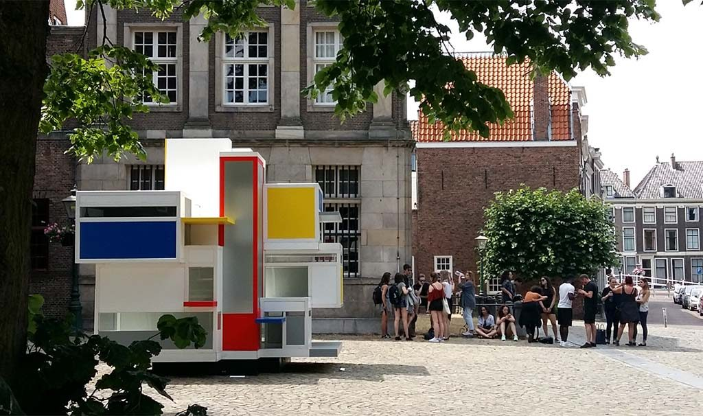 Leiden-in-Stijl-Maison-dArtiste-ontwerp-Theo-van-Doesburg-e.a.-foto-Wilma-Lankhorst