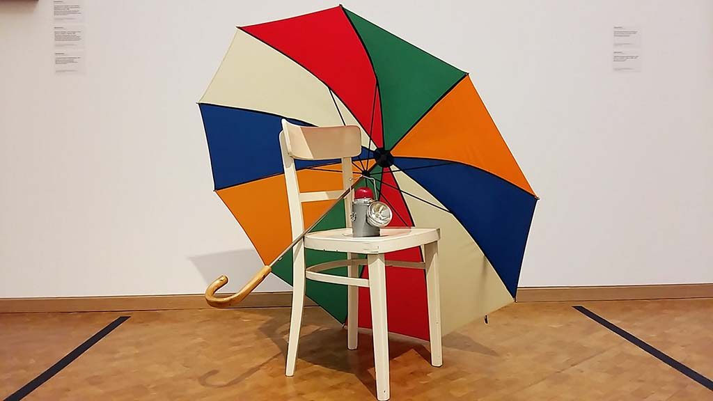 Museum-Ludwig-Hahn-Collection_Parasol-©George-Brecht-foto-Wilma-Lankhorst