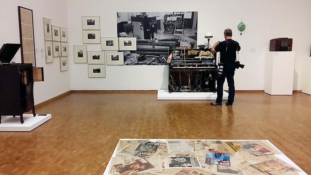 Museum-Ludwig-Hahn-Collection_Piano-Integraal-1963-©NamJunePaik-foto-Wilma-Lankhorst