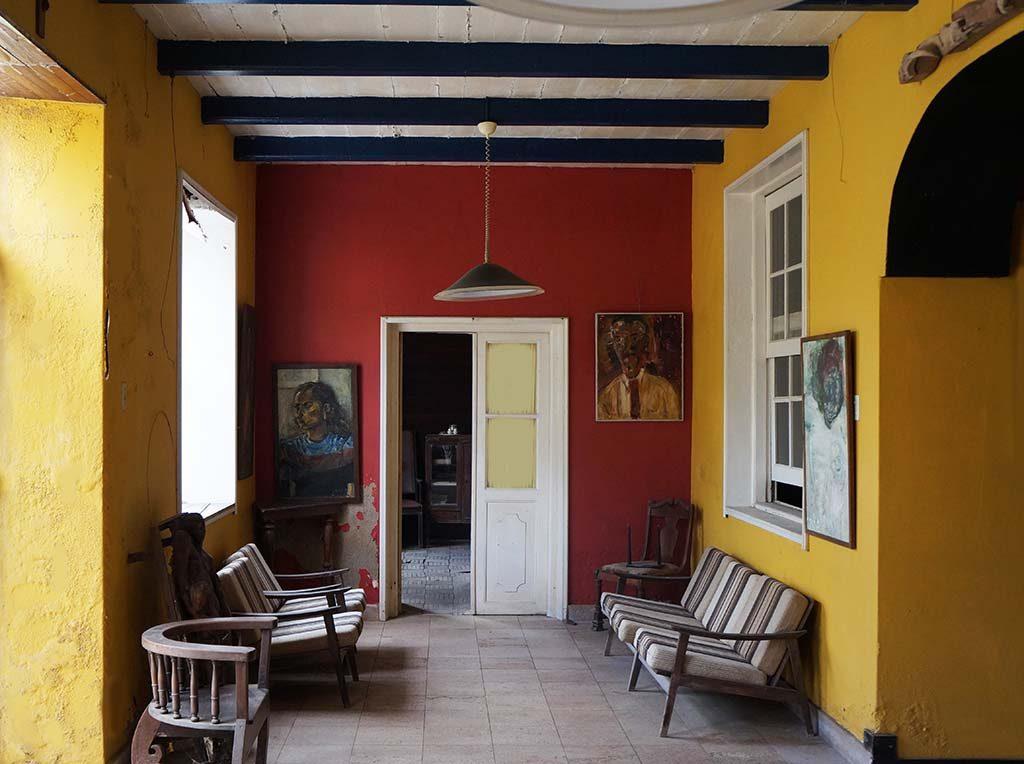 Wereldreis door-musea_1_Villa-Stroomzigt-Kleuren-Lucila-Engels-en-Gerrit-Rietveld-ca.-1955-achterkamer.-Foto-Museum-Dr8888