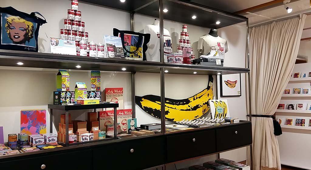 Andy-Warhol-Beurs-van-Berlage-Amsterdam-pop-up-museumwinkel-foto-Wilma-Lankhorst