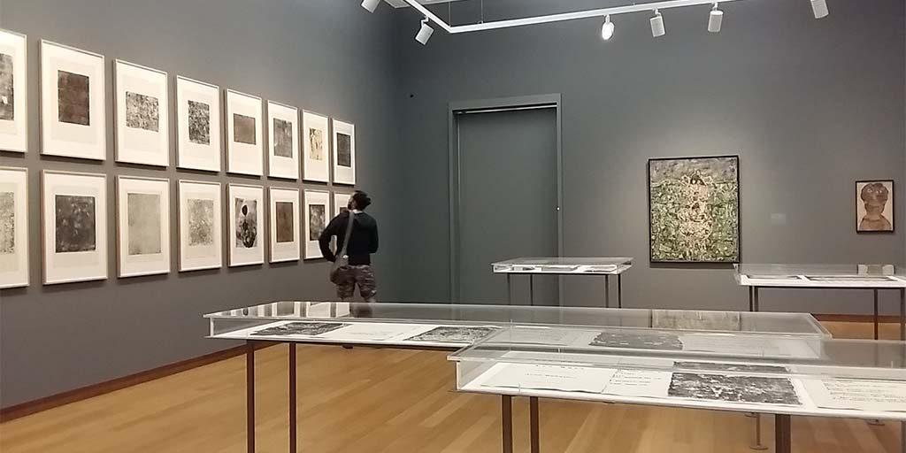 Jean-Dubuffet-The-deep-end-zaaloverzicht-Stedelijk-Museum-foto-Wilma-Lankhorst.