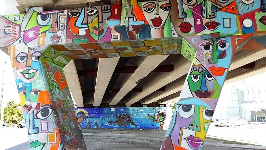 Cancun-Street-Art-Punta-SAm_-Miguel-Dominguez-foto-Wilma-Lankhorst.
