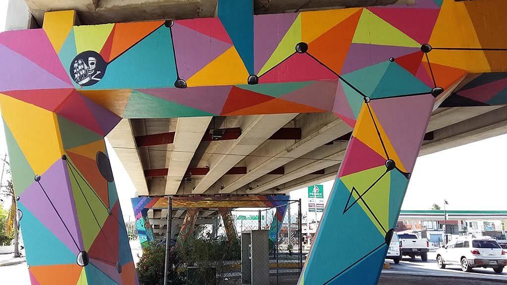 Cancun-street-art-viaduct-Joben-steunberen-van-de-fly-over-foto-Wilma-Lankhorst