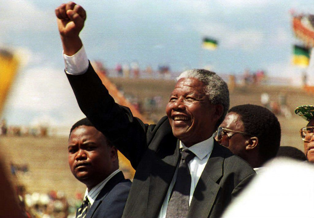Mandela_Walter_Dhladhla__Staf__Getty_Images_1995