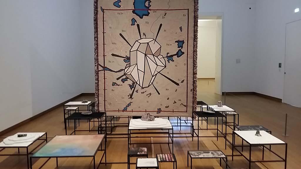 Migratie-in-de-kunst-In-pursuit-of-Bling-2014-@CtobonyNkanga-coll-Stedelijk-foto-Wilma-Lankhors