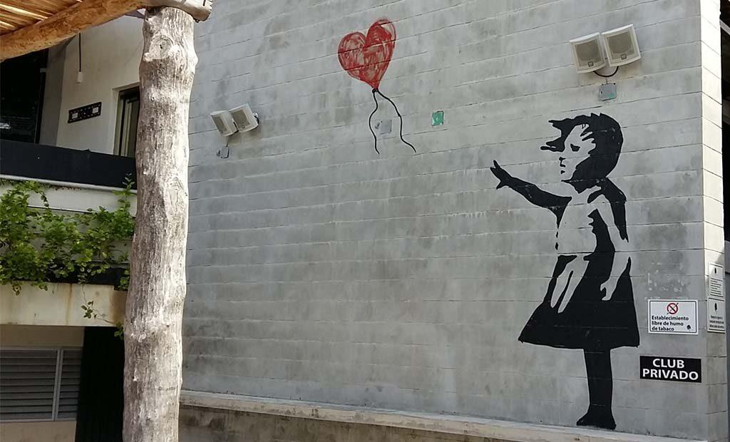 Street-Art-Cancun-kopie-Meisje-met-balon-van-Banksy-foto-Wilma-Lankhorst