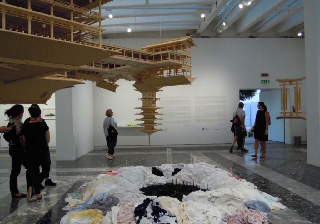 Biennale-Venetie-Japan-Upside-down-its-a-forest-Takahiro-Iwasaki-foto-Wilma-Lankhorst