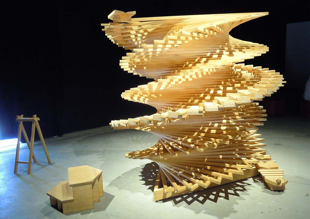 Biennale-venetie-Alamak-project-Spiral-Xylophone-Ko-Tone-Invisible-Desing-Lab-foto-Wilma-Lankhorst.