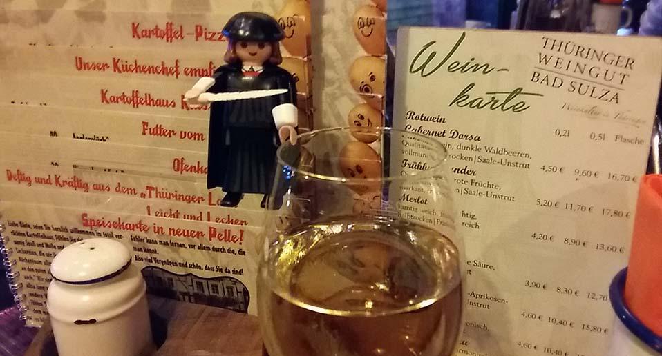 Eisenach-met-Luther-eten-in-het-Kartoffeln-haus-foto-Wilma-Lankhorst