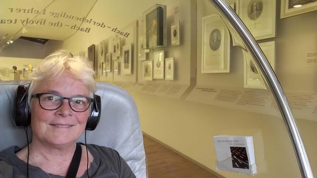 Eisenach-muziek-luisteren-in-het-Bach-huis-selfie-Wilma-Lankhorst