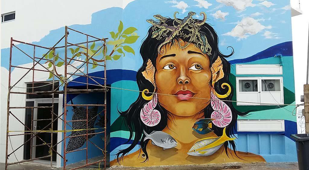 Isla-Mujeres-street-art-vrouw-foto-Wilma-Lankhorst.