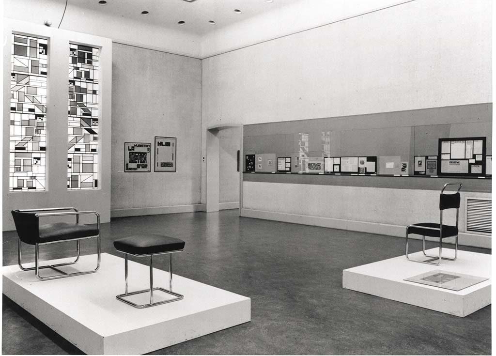 Vrouwen in de Stijl Van-Abbe-Museum_-1968_doesburg_zaal014-foto-van-den-Bichelaar