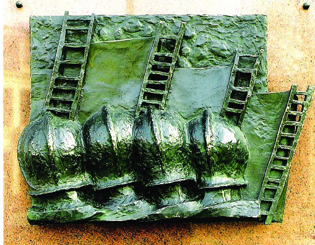 Adrie Arendsman Herdenkingsmonument-brandweer-Enschede-13-mei-2000