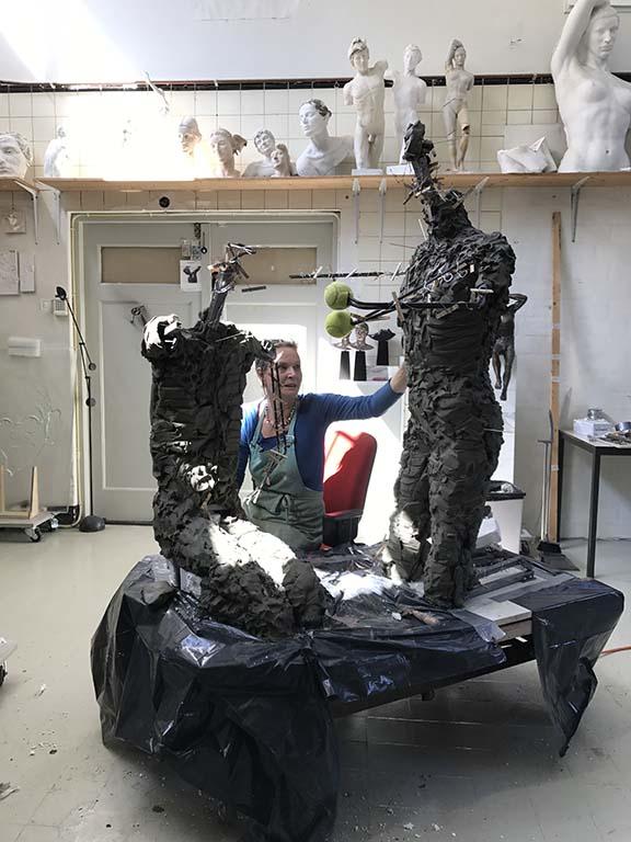 MargotHomanaan-het-werk-in-haar-atelier-©foto-Margot-Homan