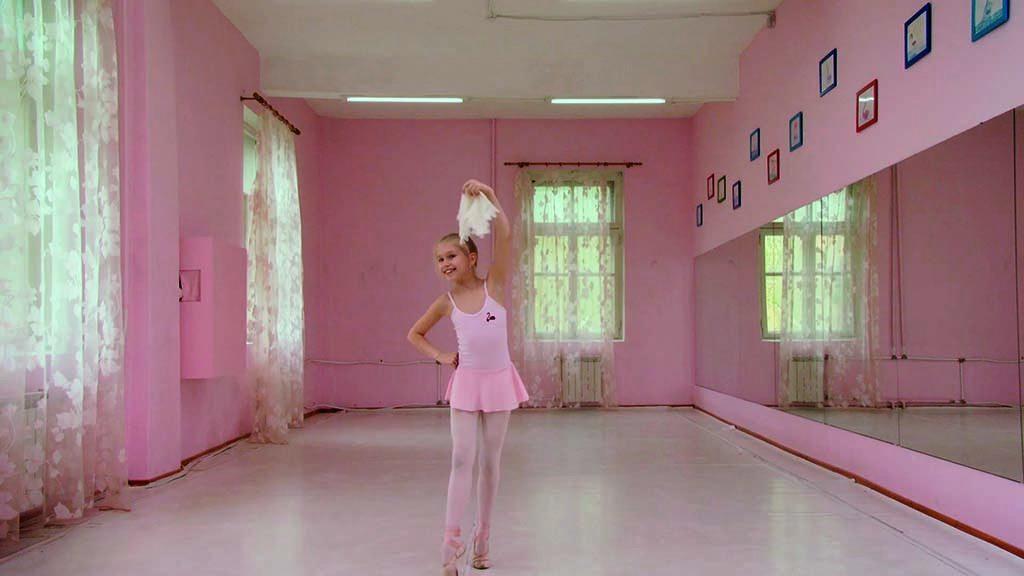 Rineke Dijkstra Marianna-The-Fairy-Doll-2014_-videostill