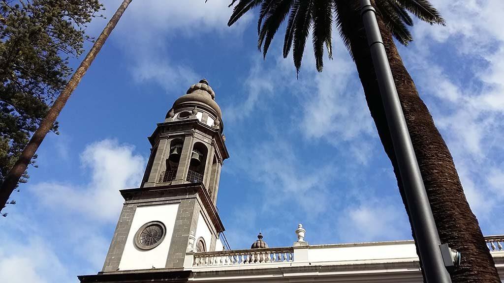 Aida-Sol-Tenerige-La-Laguna-kathedraal-©foto-Wilma-Lankhorst.
