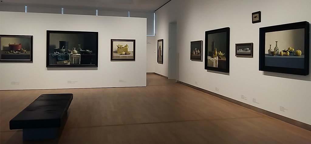 de-serene-blik-zaaloverzicht-Henk-Helmantel-Museum-MORE-©foto-Wilma-Lankhorst