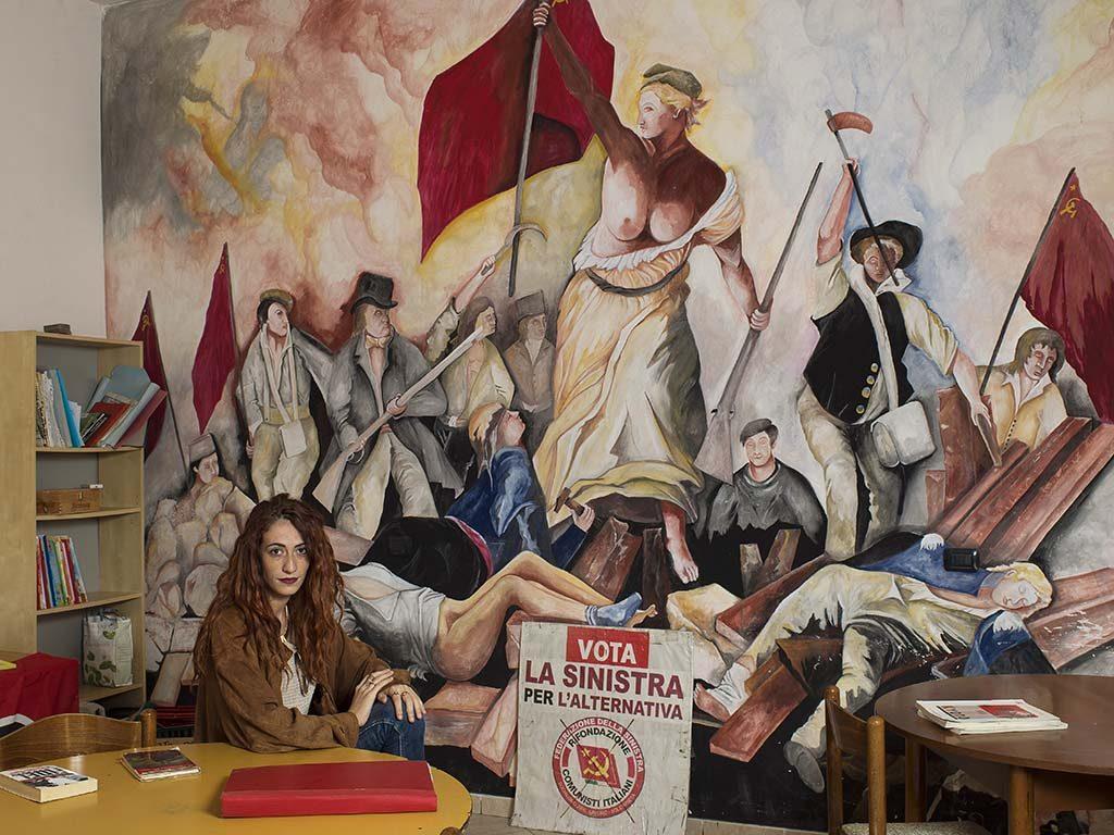 Jan-Banning-Maria-Schiavone-LR-activist-van-Partito-della-Rifondazione-Comunista-Acerra-Campania-Italië-2016-