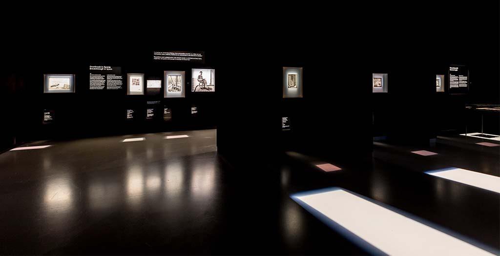 Escher-Fries-Museum-Zaaloverzicht-Rome-bij-nacht-Foto-Ruben-van-Vliet