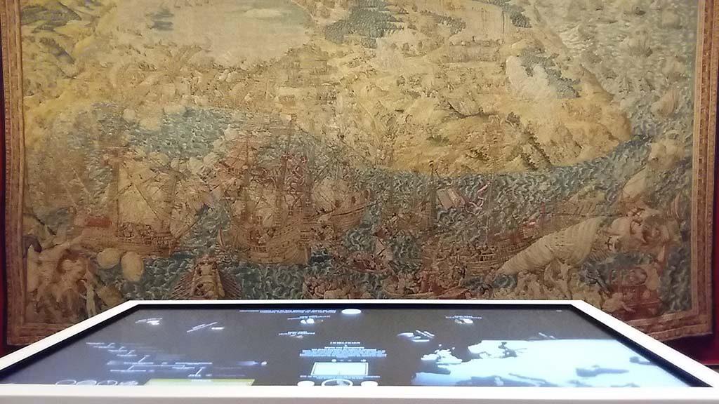 Mechelen_Hof_van_Busleyden_geschiendenis-tafel-touch-screen_foto-Wilma-Lankhorst