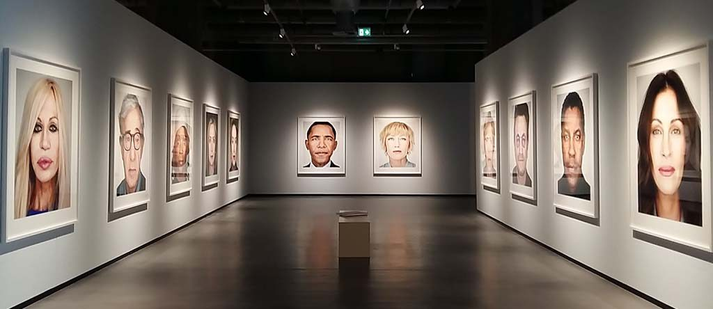 Rotterdam-Fotomuseum-Big-Heads-©Martin-Schoeller-foto-Wilma-Lankhorst