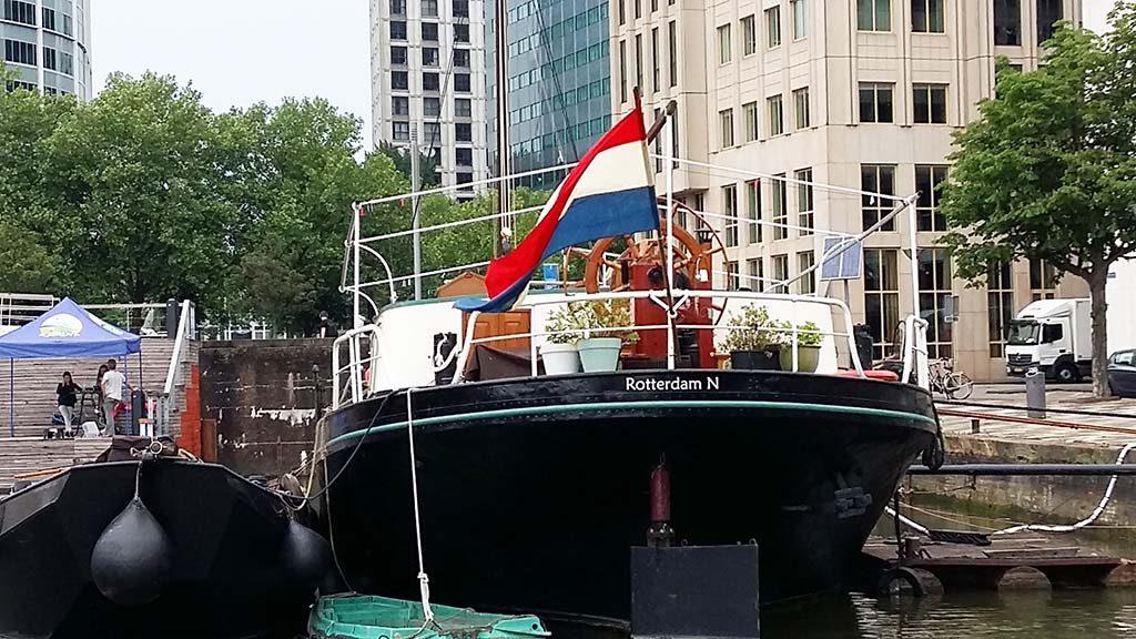 Rotterdam-SiC-woonboten-in-de-binnenhaven-foto-Wilma-Lankhorst