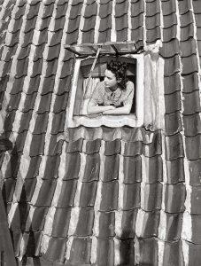 Amsterdam-1938-Keizersgracht-522-Eva-Besnyo-LR__fotograaf-Violette-Cornelius-MAI.