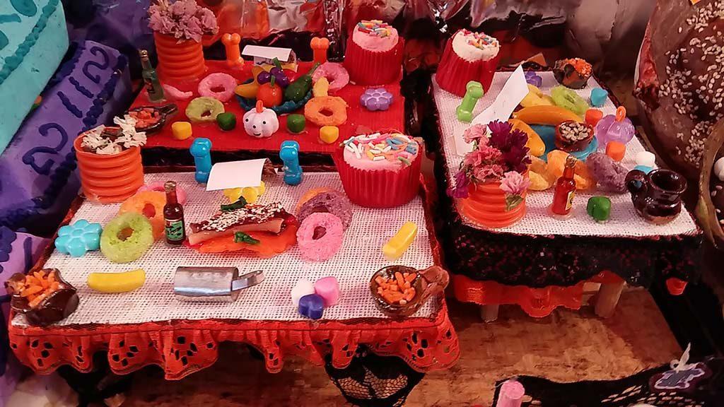 Dia_de_-los_Muertos-Cancun-Mercado-23-mini-altaren-foto-Wilma-Lankhorst.