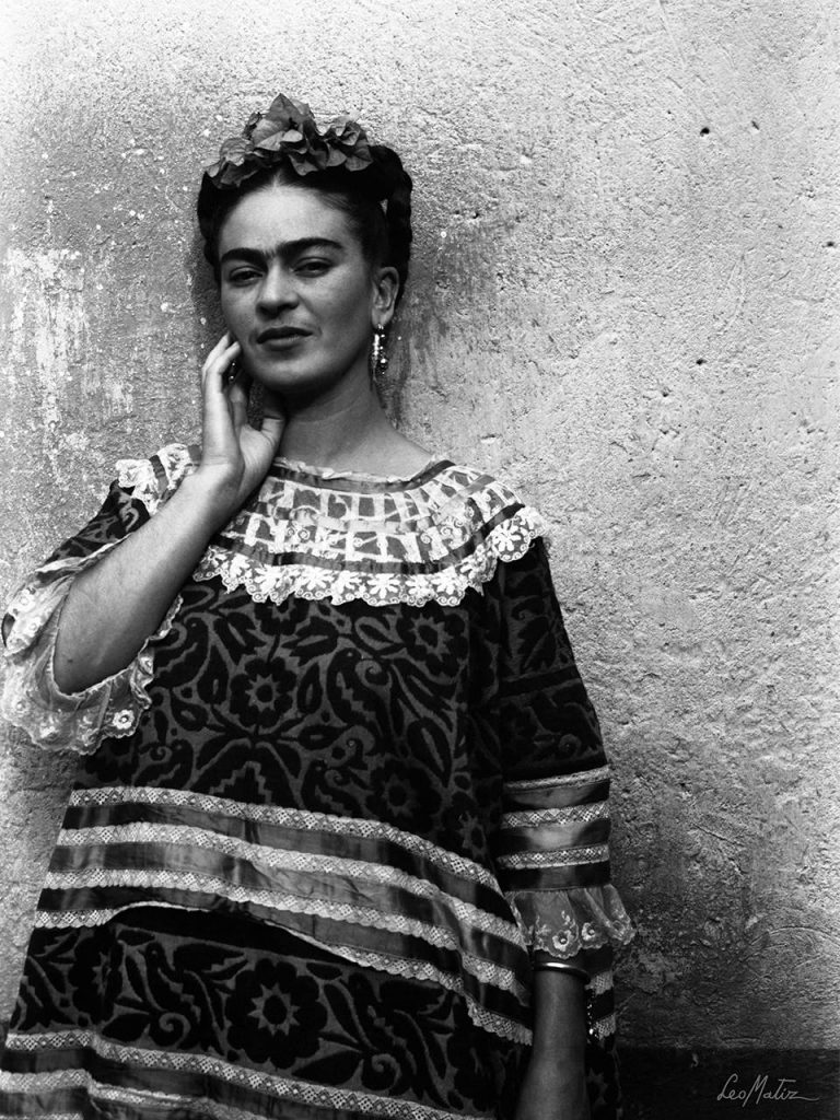 Frida-Kahlo-by-Leo-Matiz-1943-Coyoacán-Mexico.-Private-Collection.-©-Alejandra-Matiz.-Leo-Matiz-Foundation.