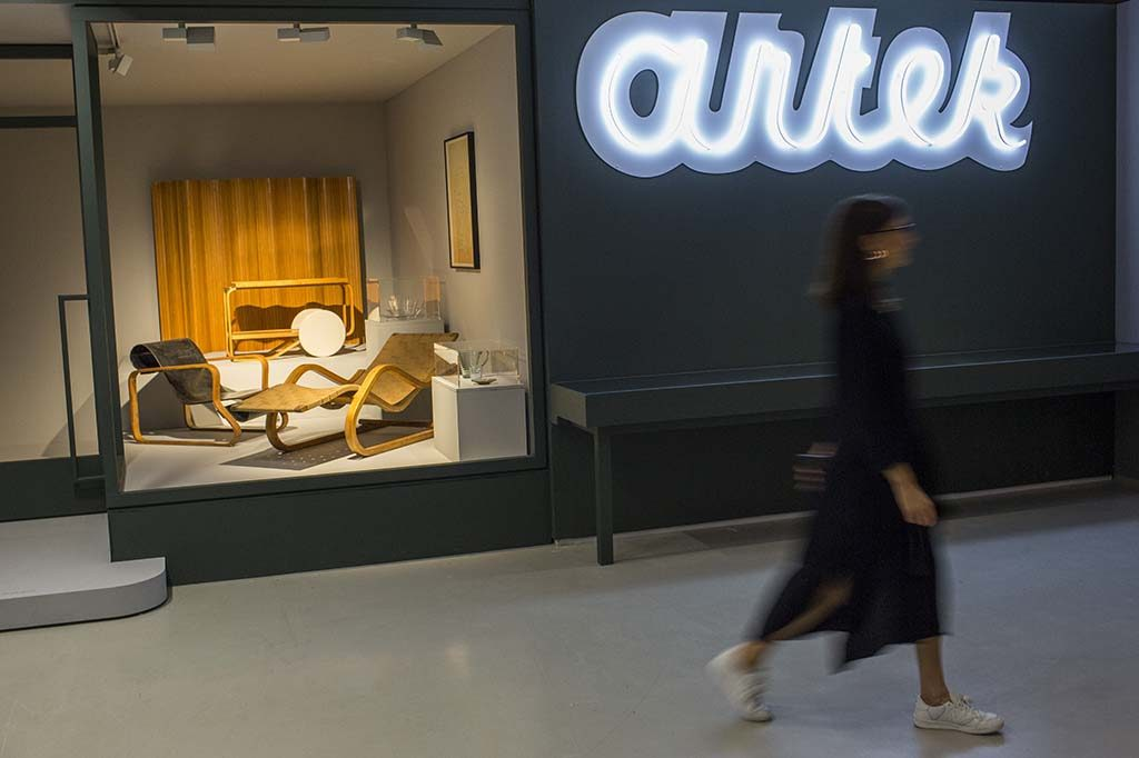 Modern-Couples-Barbican-Art-Gallery-foto-John-Phillips-Getty-Images-Aino-en-Alvar-Aalto