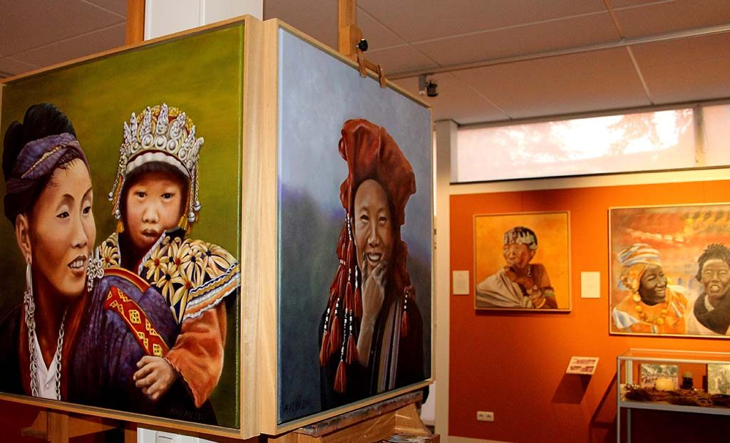 Wereldvrouwen overzicht-expo-Marianne-van-Gaale-2-met-dank-aan-Marianne-van-Gaale.