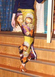 Wereldvrouwen-portretten-en-kledinglijn-2-©Marianne-van-Gaale