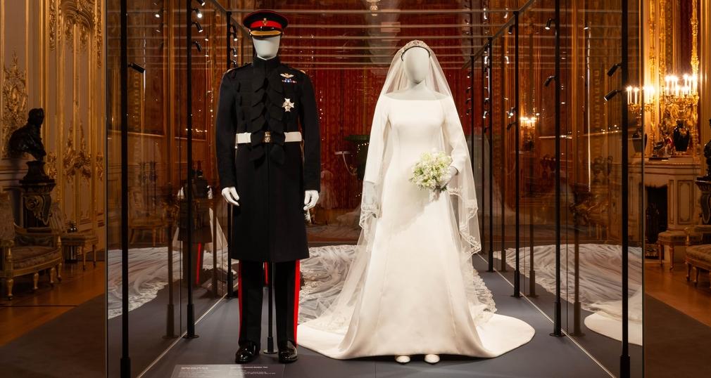 Windsor-Castle-vitrine-a-royal-wedding
