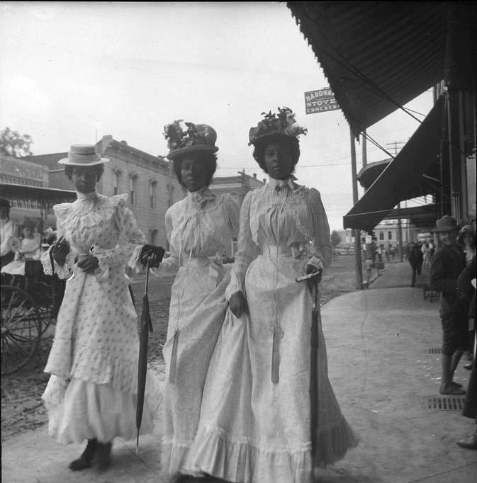Gabriele-Münter-foto_3 Frauen Texas 1899-1900