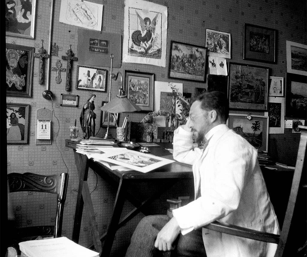 Gabriele Münter Kandinsky_aan-zijn-schrijftafel-in-München-foto-Gabriele-1911-collec.-Gabriele-Munter-en-Johannes-Eichner-St