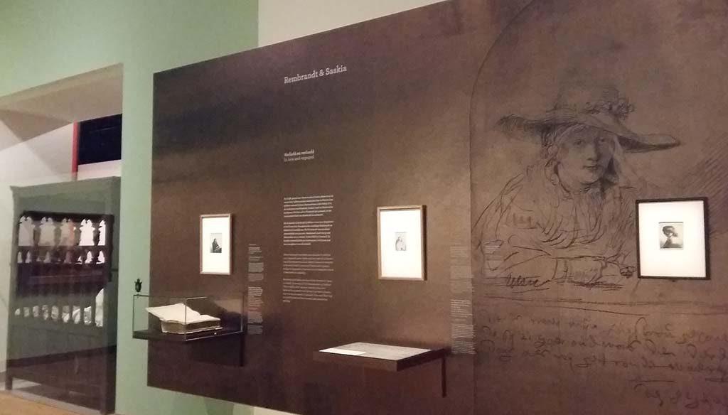 Saskia-en-Rembrandt-begin-expo-2-wand-Fries-Museum-foto-Wilma-Lankhorst