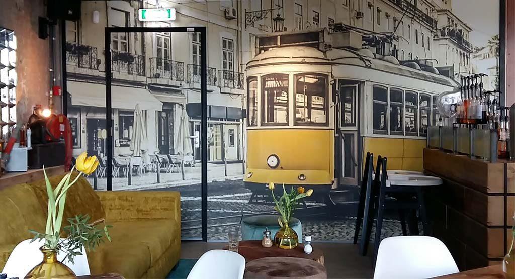 Den_Bosch_Street_art_Tramkade-2-koffie-bij-Da-Silva-foto-Wilma-Lankhorst